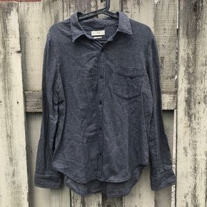 TNA cotton boyfriend button down shirt chambray L